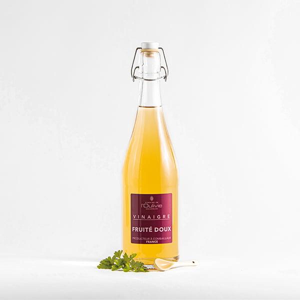 Vinaigre doux blanc du Domaine L'Oulivie. Très aromatique doux et fruité aux arômes floraux très délicats.