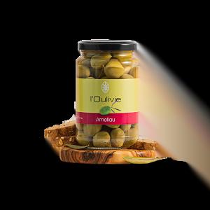 Olives Amellau du Domaine L'Oulivie. Olives cueillies à la main, elles se caractérisent par leur goût naturel de rose et de litchi.